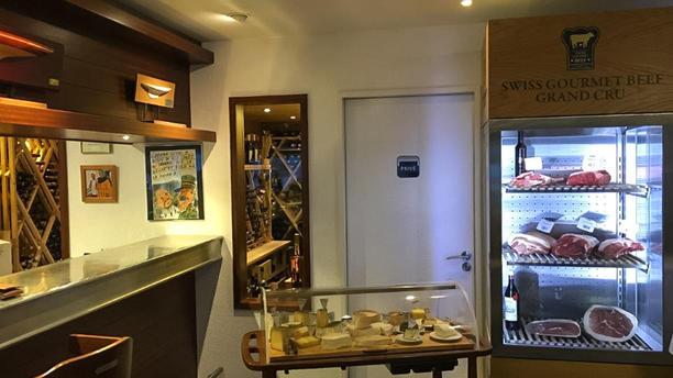 Restaurant du Club Nautique Cave, fromage, viande rassis