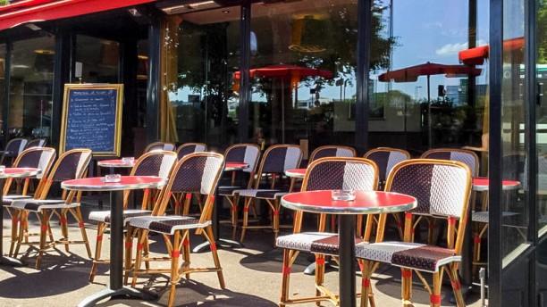 Café Côté Rive terrasse