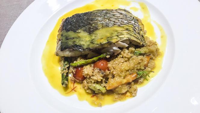 Lomo de Corvina sobre salteado de Quinoa - La Parrilla de Leganés, Leganés