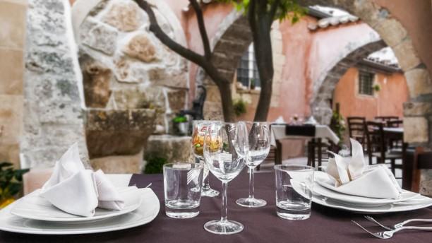 L'Assiette Baroque tavolo