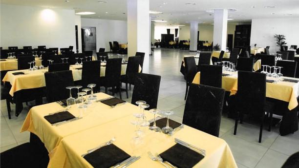 Hotel Insteia Salone