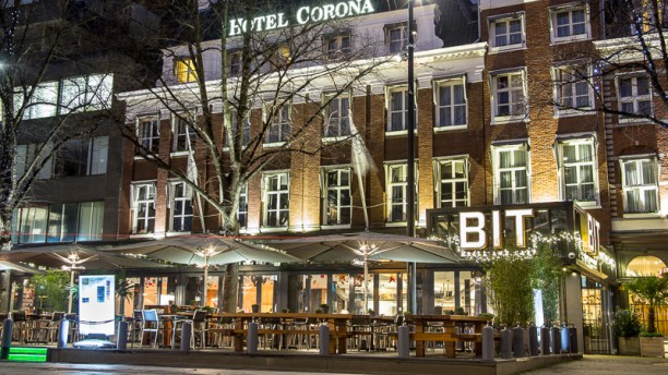 BIT Grill and Café Ingang
