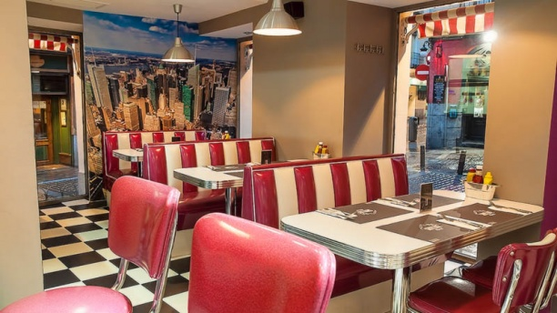 Restaurante skyline diner en madrid museo del prado for Restaurante calle prado 15 madrid