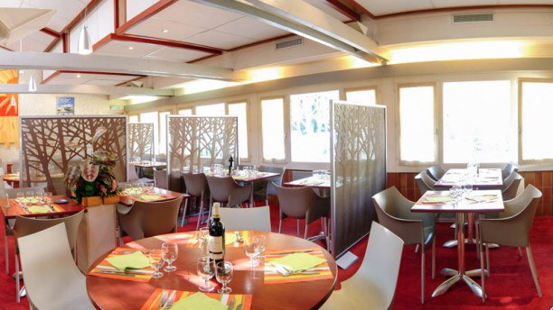 Le Buffet Grill - La Bourbonnaise Salle du restaurant