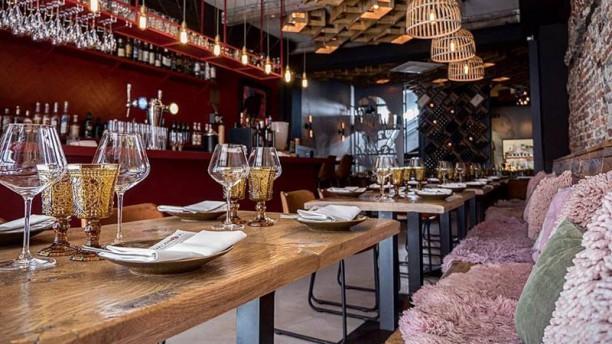 Valenzia by Zarzo Restaurant