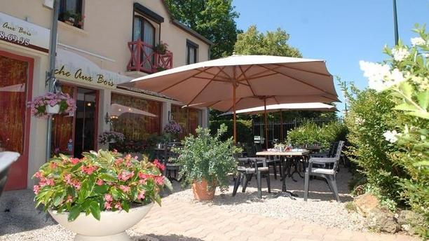 La Biche Aux Bois In Yerres Restaurant Reviews Menu And Prices