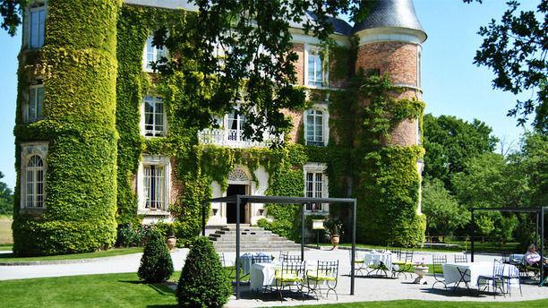 Château d'Apigné Les Tourelles Terrasse des beaux jours