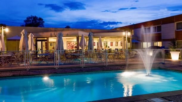 N'Café Saint-Avold Terrasse et piscine