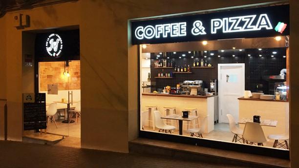 Jef Coffee & Pizza Exterior