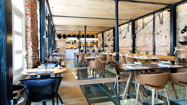 Restaurante dos cielos madrid by hermanos torres en madrid for Terrazas nocturnas madrid