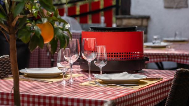 Taverne du Valais - Charbonnade & Steakhouse Terrasse