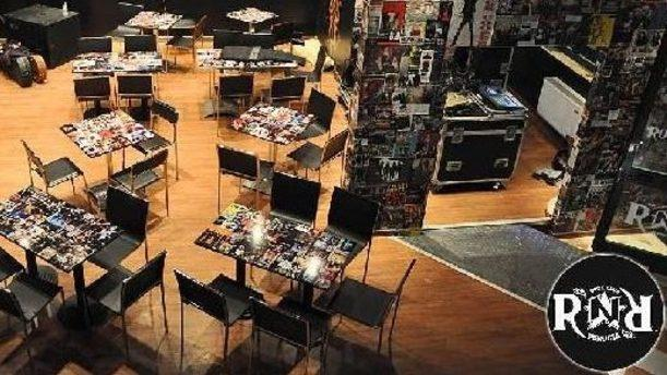 Rock n Roll Club Tavole