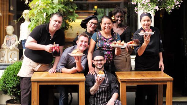 Tasca Bellota Het Team