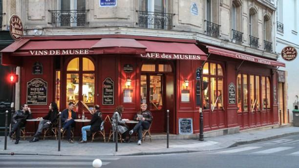 Café des Musées Devanture