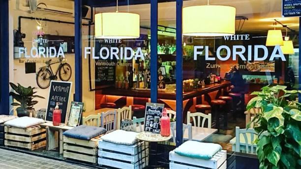 White Florida Entrada
