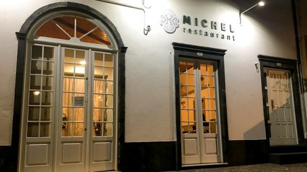 Michel Restaurant Fachada