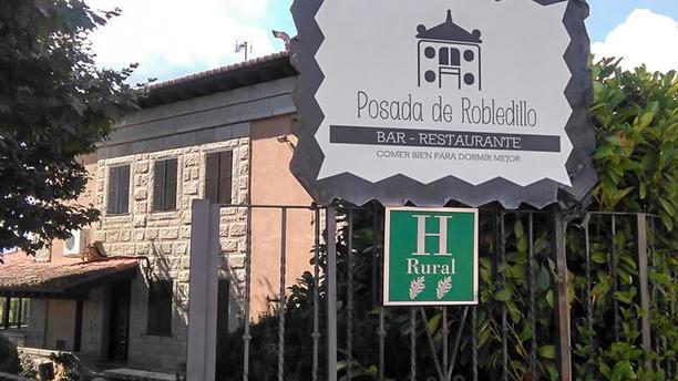 Posada de Robledillo Entrada