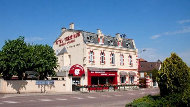 Hôtel Restaurant Le Terminus Vue façade