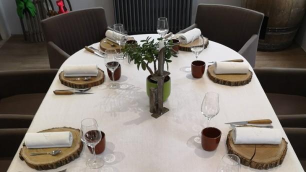 Maison Fleur de Frangipanier Détail de la table