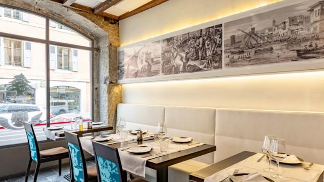 Salle du restaurant - Les Trois Phéniciens, Genève