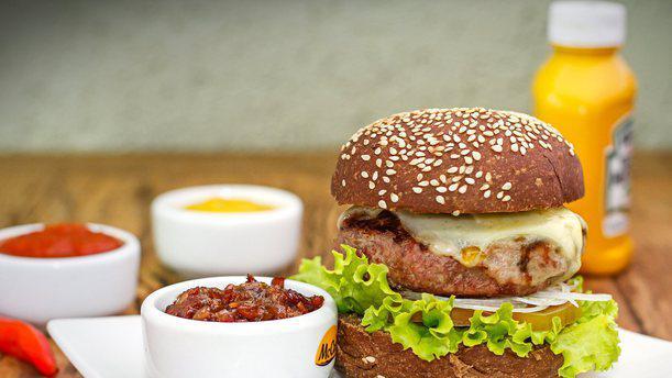 Lincoln Burger 1
