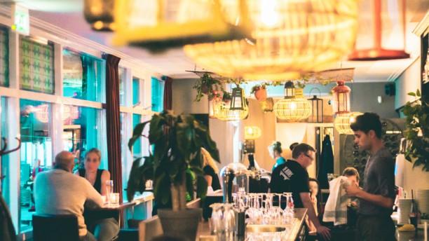 Bistro Bar JUS Restaurant
