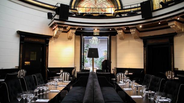 Le d me du marais in paris restaurant reviews menu and for Le miroir resto paris