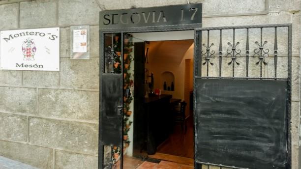 Montero's Entrada