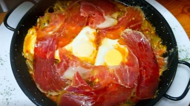 Venta El Rayo Cazuelita con huevos estrellados y Jamon