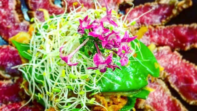 Tataky de bœuf Limousine et wok de legumes croquants - Coco Bohème, Aix-en-Provence