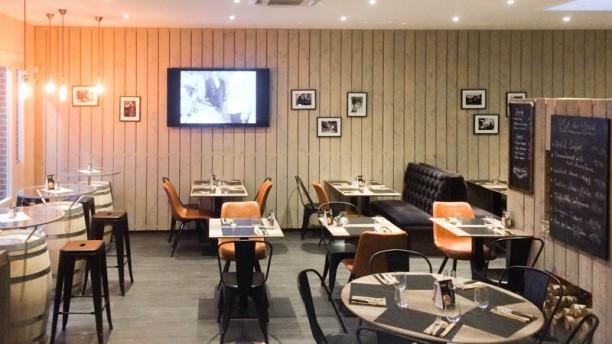 c sar caf restaurant rue alfred de vigny 59491. Black Bedroom Furniture Sets. Home Design Ideas