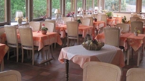 Hôtel Restaurant Neuhauser Vue de la salle