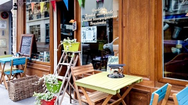 Les Fondus de la Raclette. Paris 18ème Vue terrasse