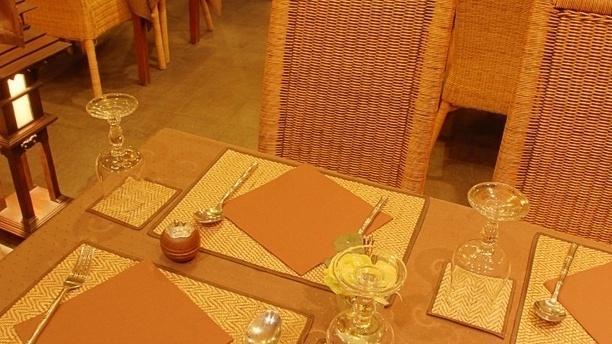 Narai Thai Table dressée