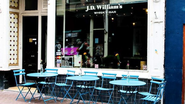 J.D. William's Whisky Bar Het restaurant