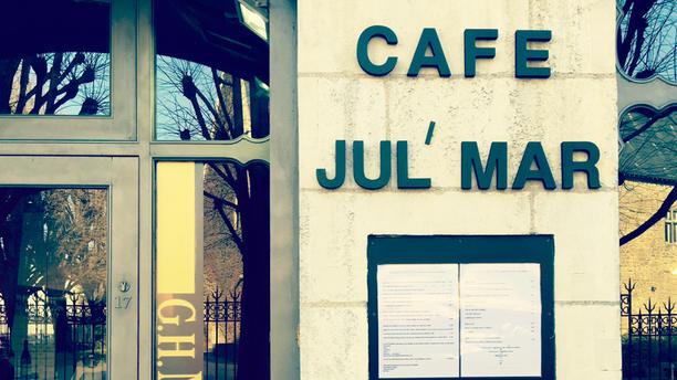 Café Jul Mar Façade