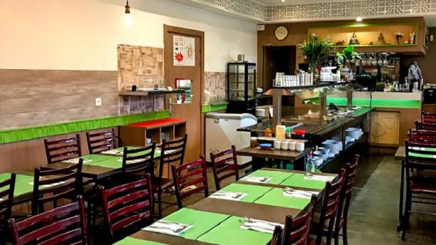 Mali  buffet Thai Vue de la salle