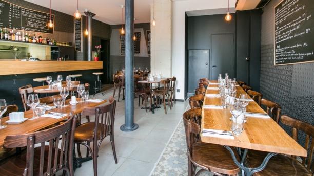 le bistro m ricourt in paris restaurant reviews menu. Black Bedroom Furniture Sets. Home Design Ideas