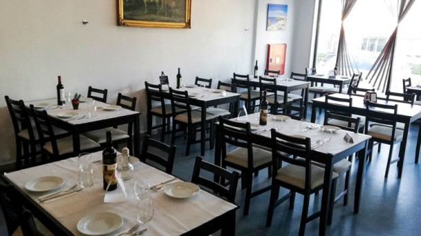 Fiel às Raízes by Chef Fábio Carmo Vista do interior