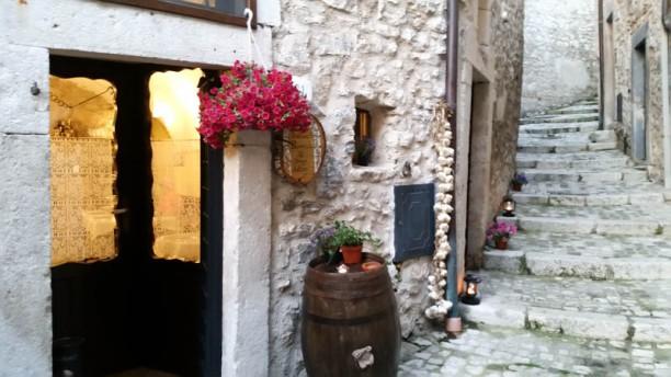 Il borgo antico ingresso