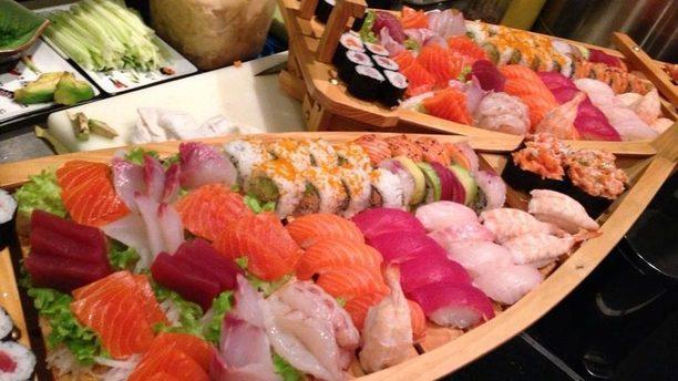 Yasuraghi Barchetta di sushi