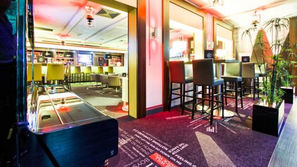 le m22 v lizy restaurant 22 avenue de l 39 europe 78140. Black Bedroom Furniture Sets. Home Design Ideas