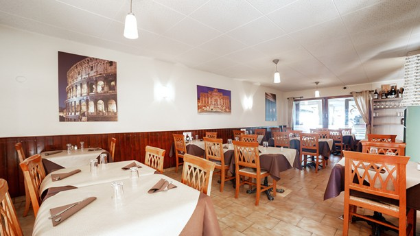 Fratelli Scalea Vésenaz - Restaurant & Pizzeria Vue de la salle