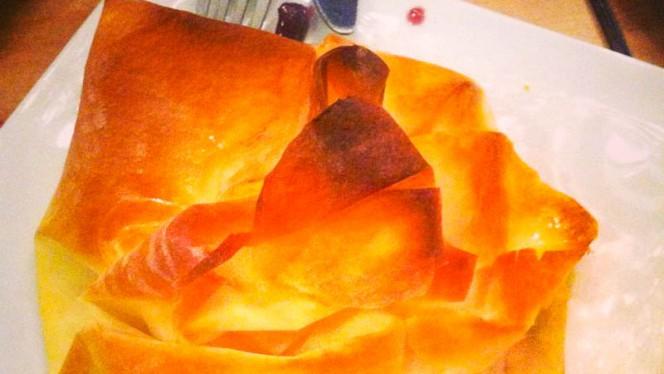 Folhado de queijo de cabra com doce de framboesa - Tasquinha dos Sabores, Porto