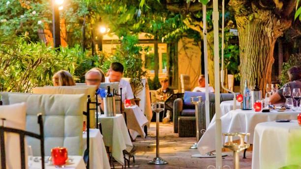 Restaurant gastronomique de Valrugues Terrasse