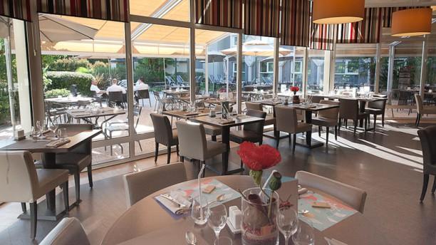 Novotel Café Restaurant brasserie vue terrasse