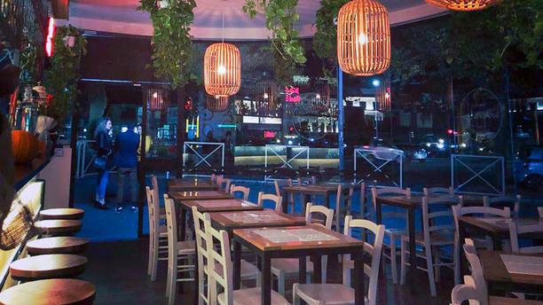 Spanish Yard vista sala