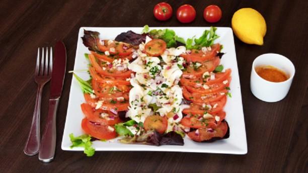 Beechteak Restaurant La salade de tomate mozzarella