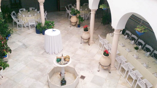 El patio de cordoba Vista de la sala