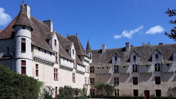 Le Chateau de Neuvic Extérieur